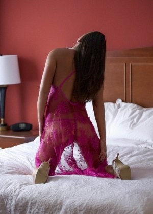 Lielle bbw escorts Lake Ridge, VA