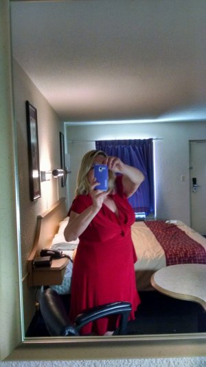 Alyze incall escorts in Logan