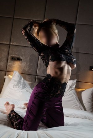 Laura-marie outcall escort in Leander