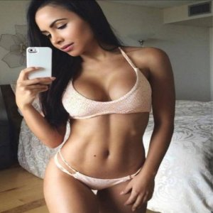 Saturna escort girl in Goshen